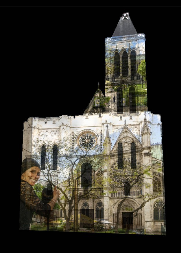 Projections de photos des habitants de Saint-Denis sur la façade de la basilique Saint-Denis / © Le CMN