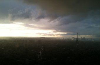 Pendant les vacances, tu-toits-yez les sommets du Grand Paris