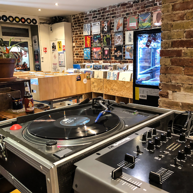 Beers & Records / © Jean-Fabien Leclanche pour Enlarge your Paris