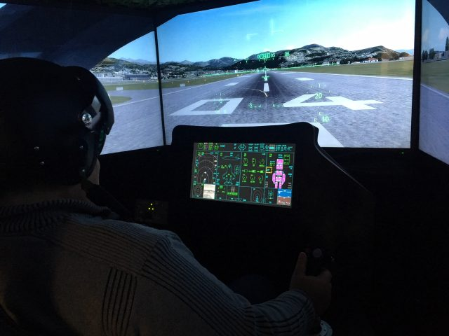 Simulateur d'avion de chasse F35 à Orly / © Steve Stillman pour Enlarge your Paris