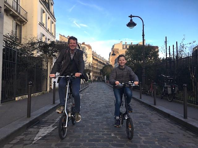 Nicolas Laruelle, urbaniste à l'Institut d'aménagement et d'urbanisme, et son fils Allosha / DR