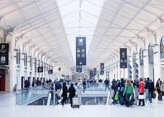 La gare Saint-Lazare à Paris / © Alfred Cromback