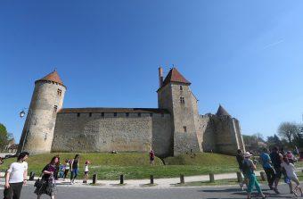 La rando des 3 châteaux vous fait voyager de la Renaissance au Moyen Âge
