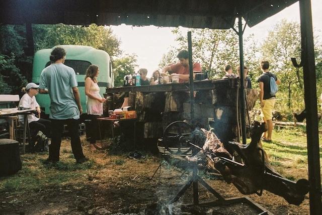 Barbecue à la Ferme du Bonheur à Nanterre / © La Ferme du Bonheur