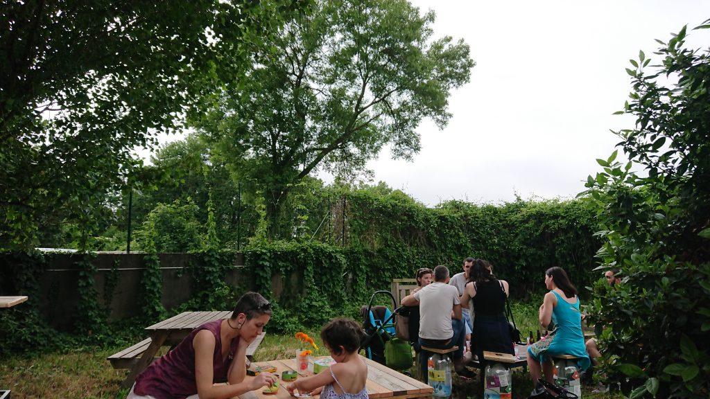 La terrasse de la brasserie la Montreuilloise à Montreuil / DR