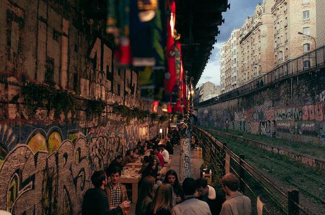 Le nouvel espace du Hasard ludique (18e) le long des rails de la Petite Ceinture / © Hasard Ludique