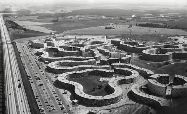 Les Courtillières à Pantin en 1964 - architecte M. Aillaud / © Jean Bruchet