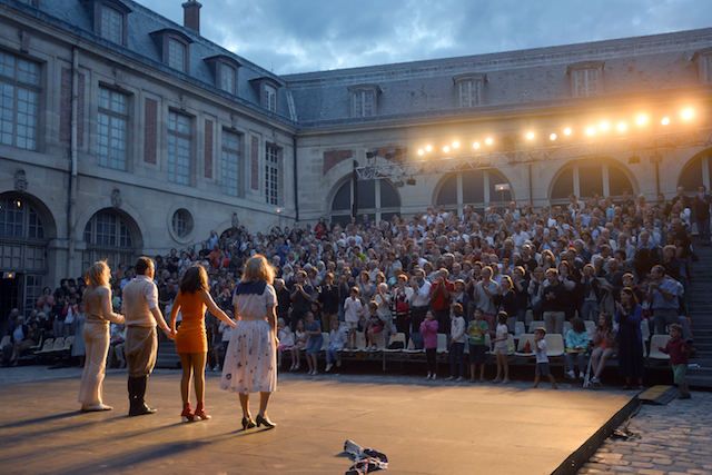 Le Mois Molière dans la cour de la Grande écurie à Versailles / © JP