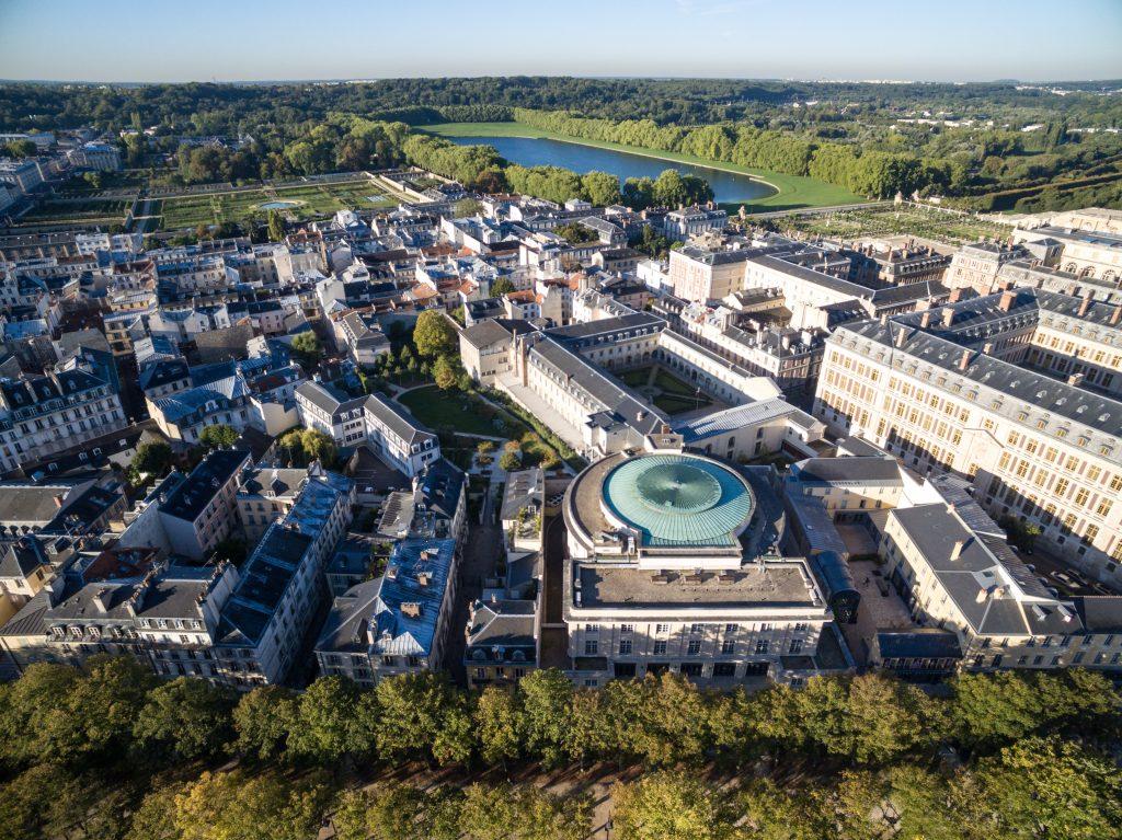 Versailles vue de haut depuis la place d'Armes / DR