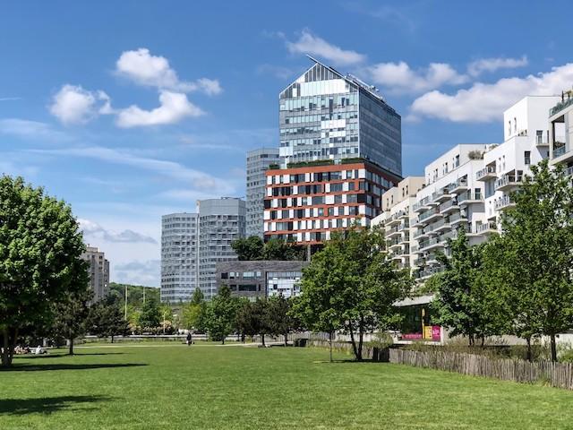 Le siège du laboratoire Roche à Boulogne imaginé par Jean Nouvel / © Jean-Fabien Leclanche pour Enlarge your Paris