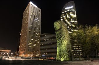 A La Défense, une tour peut cacher une oeuvre d'art