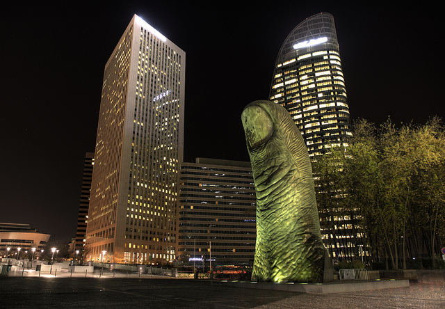 Le Pouce, sculpture de César à La Défense / © Rog01 - Flickr Creative Commons