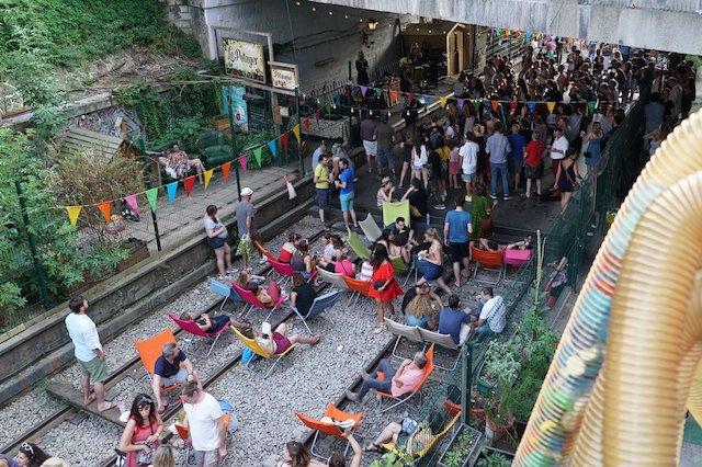 """Le festival """"Clignancourt danse sur les rails"""" prend possession des rails de la Petite ceinture les 18 et 19 septembre / © Les Jardins du ruisseau"""