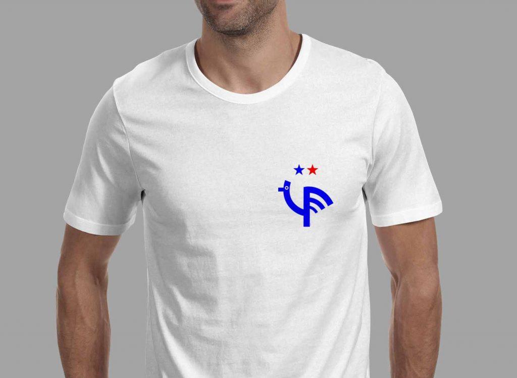T-shirt réalisée par l'artiste argentin Juan Miranda pour la boutique en ligne Pop&Kop / © Pop&Kop
