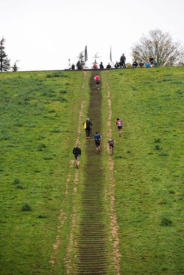 L'ascension de la butte des Châtaigniers à Argenteuil pour le Trail des Châtaignes / © Trail des Châtaignes