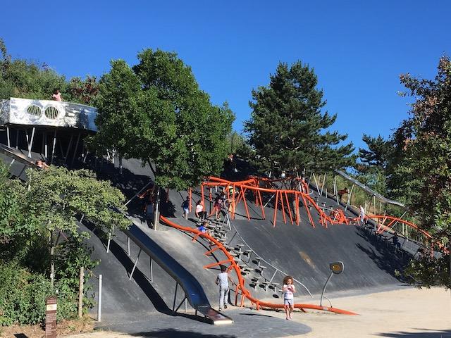 L'aire de jeux du parc des Cormailles à Ivry / @ Julie Gourhant alias @legrandparisvudemaminiet @parisla_belle