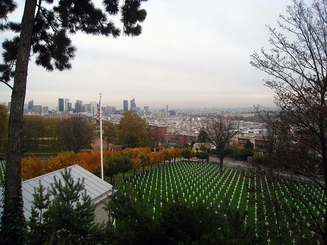 Le Mont Valérien et son cimetière américain / © Groume (Creative commons – Flickr)