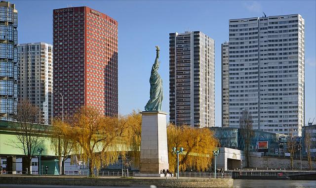 La statue de la Liberté sur l'île aux Cygnes à Paris (15e) / © Annie Dalbéra (Creative commons - Flickr)