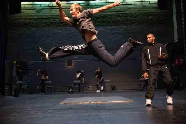 Les répétitions du spectacle La Finale sur les planches du théâtre de Suresnes / © Dan Aucante
