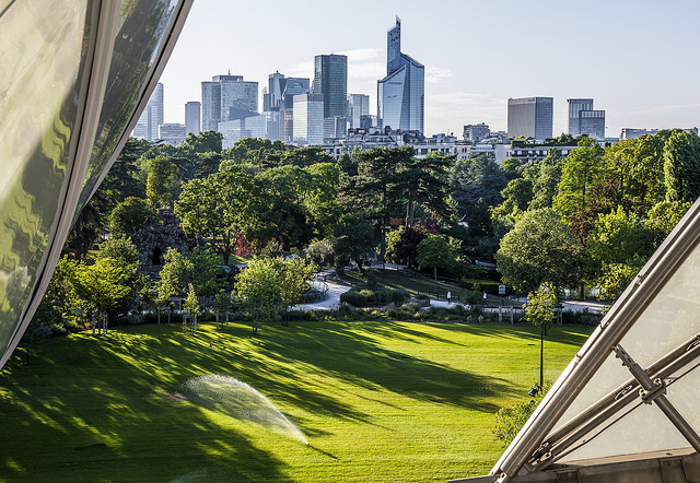 La vue depuis la terrasse de la Fondation Vuitton dans le bois de Boulogne / © Ninara (Creative commons - Flickr)