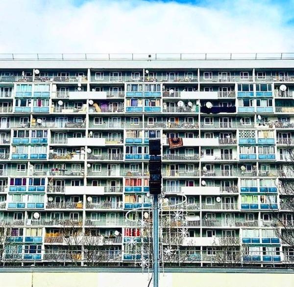 La Cité des 4000 à La Courneuve / © Julie Gourhant alias @legrandparisvudemamini et @parisla_belle