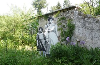 Des artistes de land art aux Murs à pêches à Montreuil