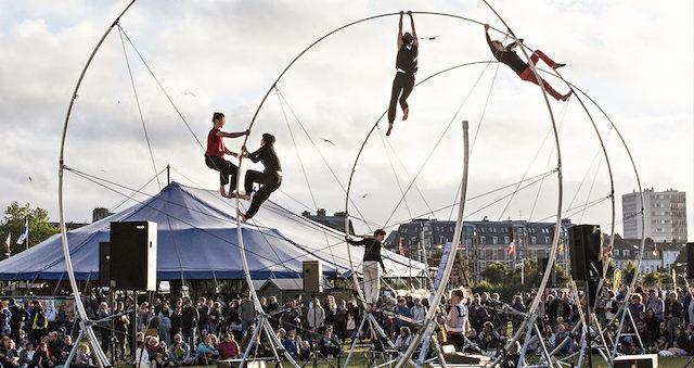"""""""La Spire"""" est l'un des spectacles du festival Solstice qui se déroule du 18 au 27 juin à Antony, Châtenay-Malabry et Massy / © Jean-Louis Fernandez"""