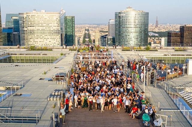 Le toit de l'Arche de La Défense / © Marco Strullu
