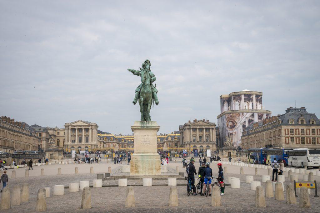 Départ de la randonnée organisée le 25 mai 2019 par Enlarge Your Paris, à la découverte de la ligne 18 du Grand Paris Express. De Versailles à Trappes / © Jéromine Derigny