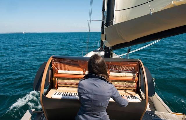 """La pianiste Marieke Huysmans-Berthou et son projet """"PianOcéan"""" sera en lecture-concert lors du festival des globe-trotters à Massy / © Festival des globe-trotters"""