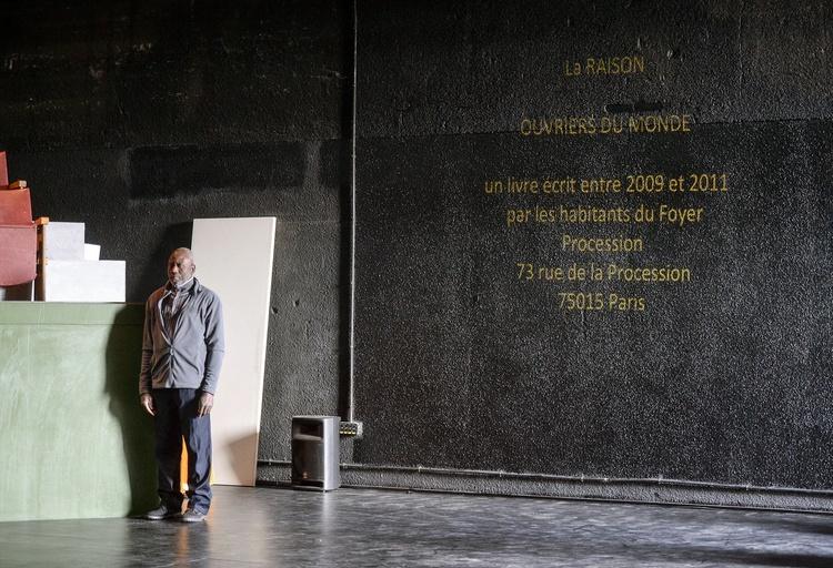 Pièce d'actualité au théâtre de La Commune / @ Willy Vainqueur