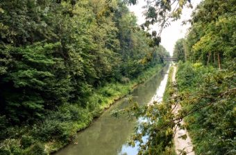 Vert l'infini et au-delà le long du canal à vélo