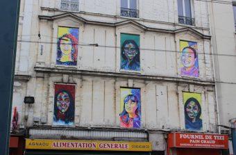 Un parcours street art colore les fenêtres murées de Saint-Denis