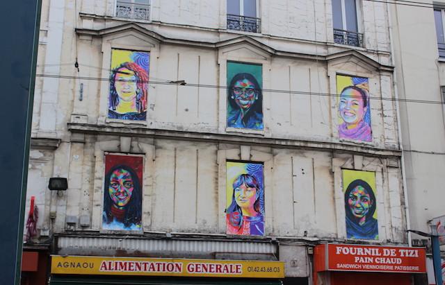 Les portraits du street artiste Ernesto Novo sur des fenêtres murées à Saint-Denis / ©  Office du tourisme de Plaine Commune Grand Paris