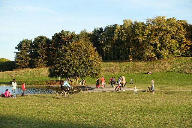 Le parc de La Courneuve / © Guilhem Vellut (Creative commons - Flickr)