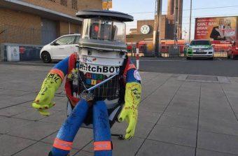 La tragique histoire du robot autostoppeur HitchBOT sur la scène du Centre des arts d'Enghien