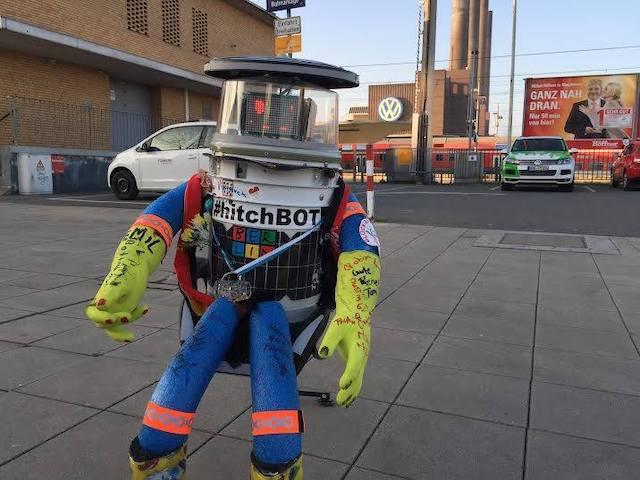 Le robot autostoppeur Hitchbot / © Hitchbot