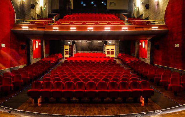 """Le cinéma Le Trianon à Romainville où aura lieu le Festival du film franco-arabe et qui servit de décor pendant près de 20 ans à l'émission """"La dernière séance"""" animée par Eddy Mitchell / © Le Trianon"""
