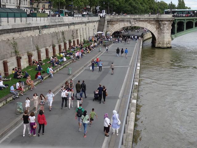 Les berges de Seine piétonnes à Paris / © Jeanne Menjoulet (Creative commons - Flickr)