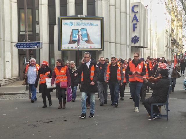 Cortège de manifestants / © Solenn Cordroc'h pour Enlarge your Paris