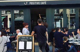 L'alimentation saine a son café et son école à Versailles