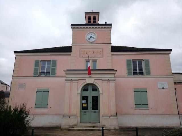 La mairie de Marnes-la-Coquette / © Sylvain Lafay