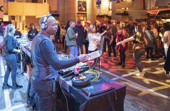 La Cité des sciences se transforme en gymnase et en dancefloor le temps d'une soirée