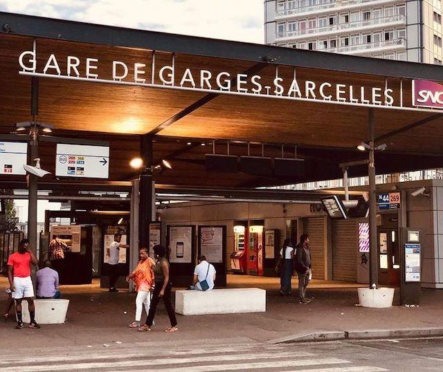 La gare de Garges-Sarcelles où s'est ouvert le 19.59, à la fois bibliothèque, café-restaurant et coworking / @ Réseau d'échange et de restauration