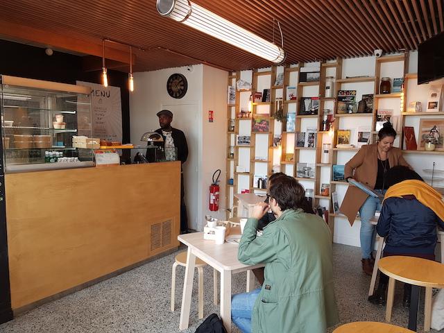 Le 19.59 à la gare de Garges-Sarcelles / @ Réseau d'échange et de restauration