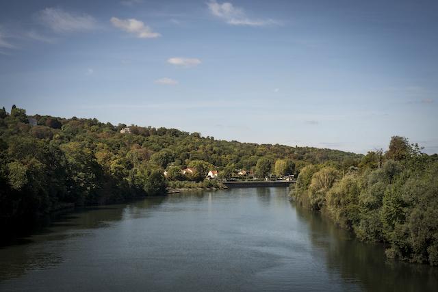 Les quais de Seine à Croissy dans les Yvelines / © Jérômine Dérigny pour Enlarge your Paris