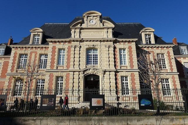 L'Institut Pasteur dans le 15e à Paris / © Guilhem Vellut (Wikimedia commons)