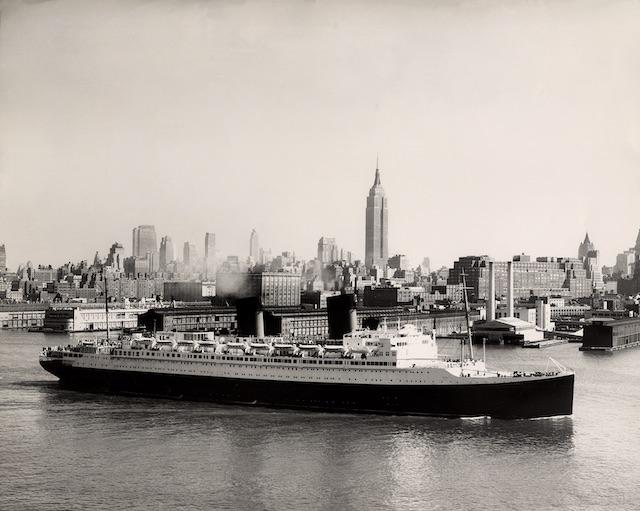 Le paquebot Île-de-France à New York / DR