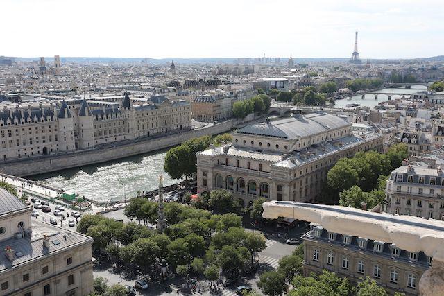 Le Théâtre du Châtelet VU depuis la tour Saint-Jacques / © Jean-Christophe Windland (Wikimedia commons)