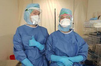 Les makers viennent en aide aux soignants en fabriquant des visières de protection